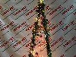 """Truyền thông - Đón Noel với cây thông lắp ráp """"siêu độc"""" chỉ có giá vài chục nghìn"""