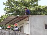 Tin nhanh - Nam thanh niên nghi ngáo đá, trèo lên cầu đòi nhảy tự tử