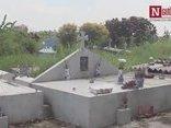 Mới- nóng - Clip: Tâm sự của người phụ nữ 10 năm nhặt rác, chôn cất hàng vạn hài nhi
