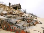 Điểm nóng - Quảng Bình: Xâm thực, sạt lở nghiêm trọng tại các bãi biển