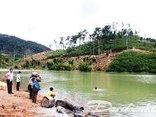 Điểm nóng - Gần 11m3 gỗ trục vớt dưới lòng hồ thủy điện Sê San 3A vẫn vô chủ