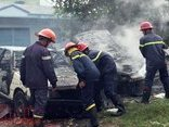 Điểm nóng - Cháy rụi 2 ô tô trên đại lộ Nguyễn Văn Linh do đốt rác thải
