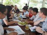 Kinh doanh - NutiFood mời giáo sư hàng đầu của Úc hỗ trợ dinh dưỡng cho học viện bóng đá