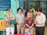Tiêu dùng & Dư luận - Clip TV trao quà xuân cho nghệ sĩ cao tuổi tại TP.HCM