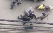 Mới- nóng - Clip: Nhóm thanh niên cầm gậy đánh người dã man trên phố Hải Phòng