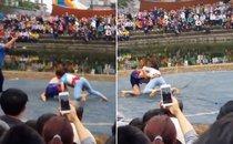 Mới- nóng - Clip: Cô gái quật ngã 2 đô vật nam giữa sới vật Bắc Ninh