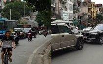 Xa lộ - Clip 2 tài xế dừng ô tô giữa đường, đối đầu cả tiếng để 'thi gan'