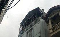 Mới- nóng - Clip: Trường mầm non bốc cháy giữa trưa, hàng chục cô trò sơ tán khẩn
