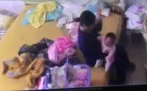 Mới- nóng - Clip: Phẫn nộ cảnh giúp việc hành hạ bé gái hơn 1 tháng tuổi