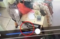 Video - Clip: Nữ quái 3 lần mở ngăn tủ trộm điện thoại trong shop quần áo