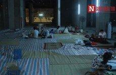 Tin nhanh - Vụ cháy kinh hoàng: Người dân chung cư Carina lay lắt ngủ dưới sàn nhà