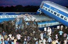 Thế giới - Ấn Độ: Kinh hoàng tàu trật đường ray, hàng trăm người thương vong