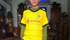 Cộng đồng mạng - Cậu bé 11 tuổi Hà Tĩnh gây sốt với những pha rê bóng ảo diệu như Messi