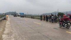 Tin nhanh - Hà Tĩnh: Cán bộ xã bị xe ô tô tông trọng thương