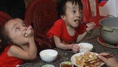 Giáo dục - Nghị lực phi thường của 2 anh em ruột bị bệnh não úng thủy
