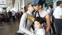 Giải trí -  Khánh Thi hôn Phan Hiển trước mặt con trai