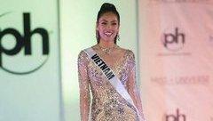 Sự kiện - Nguyễn Thị Loan gây thất vọng với màn phát âm tiếng Anh tại Miss Universe 2017
