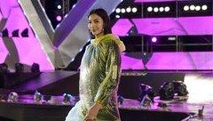 Ngôi sao - Hoàng Thùy, Xuân Lan đội mưa chuẩn bị 'cháy' hết mình ở Đà Nẵng