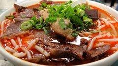 Gia đình - Món ngon cuối tuần: Tuyệt chiêu nấu món bún bò Huế chuẩn vị, ngon tuyệt