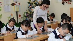 Giáo dục - Lương giáo viên chưa tăng vì đợi chính sách, Bộ trưởng Tư pháp áy náy