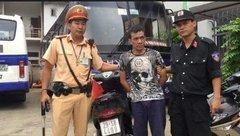 Pháp luật - Gã thanh niên xăm trổ mang 3 gói ma túy lượn phố gặp 141