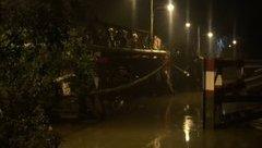 Xã hội - Sập cầu Long Kiển: Đã cảnh báo nguy hiểm, tài xế vẫn cho xe chạy qua