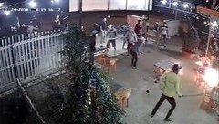 An ninh - Hình sự - Bắt hai đối tượng cầm đầu trong băng nhóm xông vào quán nhậu đập phá