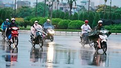 Tin nhanh - Dự báo thời tiết kỳ nghỉ lễ 30/4–1/5: Nhiều nơi xuất hiện mưa rào và dông