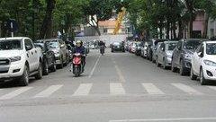 Xã hội - Hà Nội: Tăng phí trông giữ xe, ô tô vẫn chật kín lòng đường