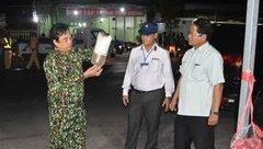 Tin nhanh - Chủ tịch tỉnh Bạc Liêu kiểm tra, phát hiện hơn 1,2 triệu con tôm giống 'lậu'