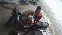Pháp luật - Clip: Nữ quái thản nhiên mở cốp xe trộm ví tiền trước cửa shop quần áo