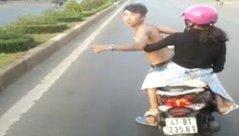 Xa lộ - Clip: Thanh niên đánh võng trước đầu xe khách còn đòi đánh tài xế