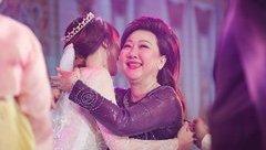 """Ngôi sao - Bất ngờ mối quan hệ """"mẹ chồng nàng dâu"""" của Hari Won"""
