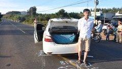 An ninh - Hình sự - Bắt tài xế taxi chở 300kg pháo lậu từ Kon Tum về Gia Lai tiêu thụ