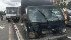 Chính trị - Xã hội - TP.HCM: Xe khách mất thắng tông liên hoàn 5 xe tải trên đại lộ Võ Văn Kiệt