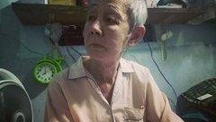"""Gia đình - Tình bạn cảm động của """"cô đào"""" chuyển giới lớn tuổi nhất Việt Nam"""