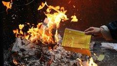 Gia đình - Mùng mấy Tết nên hóa vàng mã, đốt thế nào cho chuẩn?