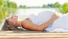 Sức khỏe - Bác sĩ chỉ cách sơ cứu cho thai phụ bị say nắng, say nóng