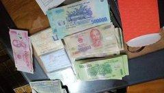 Xã hội - Đi chơi Tết, 3 học sinh nhặt được hơn 40 triệu đồng, trả người đánh mất