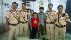 Chính trị - Xã hội - Hải Phòng: Trẻ đi lạc được CSGT trao trả về gia đình