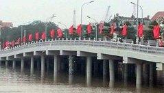 Xã hội - Hải Phòng: Tàu đâm gãy trụ cầu vượt sông Tam Bạc trị giá 80 tỷ đồng