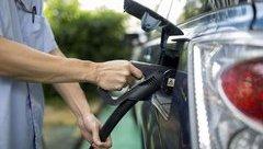Xe++ - Trung Quốc sắp cấm bán ô tô chạy xăng dầu