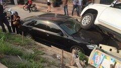 Sau vô lăng - Hy hữu: Toyota Land Cruiser Prado 'trên trời rơi xuống' đè nát đầu Camry