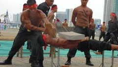 Xã hội - Màn võ thuật mãn nhãn của cảnh sát cơ động bảo vệ APEC