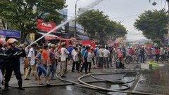 Tin nhanh - Quảng Nam: Nổ lớn kèm hỏa hoạn thiêu rụi tầng 2 căn nhà