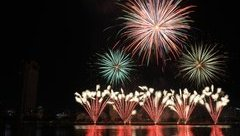 Văn hoá - 6.000 quả pháo thắp sáng đêm sông Hàn rực rỡ