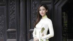 Giải trí - Hoa hậu Mỹ Linh khiến người đối diện xao xuyến vì quá đẹp