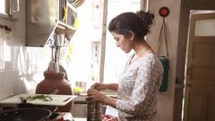Đời sống - Ở nhà làm ô sin cho chồng: Phụ nữ đang khiến mình bất hạnh!
