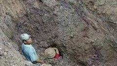 Tin nhanh - Hai vợ chồng thoát chết kỳ diệu sau khi bị đất đá chôn vùi hơn 2m