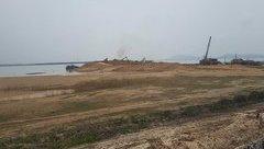 """Môi trường - Khai thác cát ở hồ Dầu Tiếng: """"Rút ruột"""" lòng hồ đưa cát đi đâu?"""